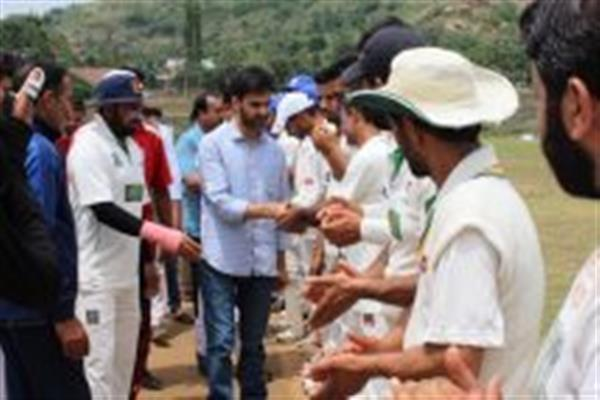 Secretary Sports Council reviews sports activities in Chrar, Sopore | KNO
