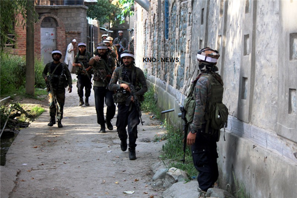 Forces cordon village in Tral area in South Kashmir | KNO