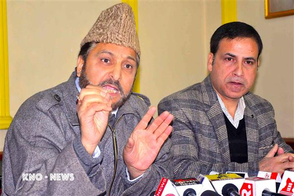 No Friday prayers to be held in Kashmir tomorrow: Grand Mufti Nasirul Islam | KNO
