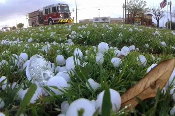 Hailstorm wrecks havoc in twin southern districts | KNO